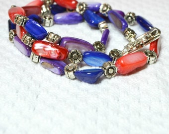 Bright Shell Necklace / Red, Blue, Purple
