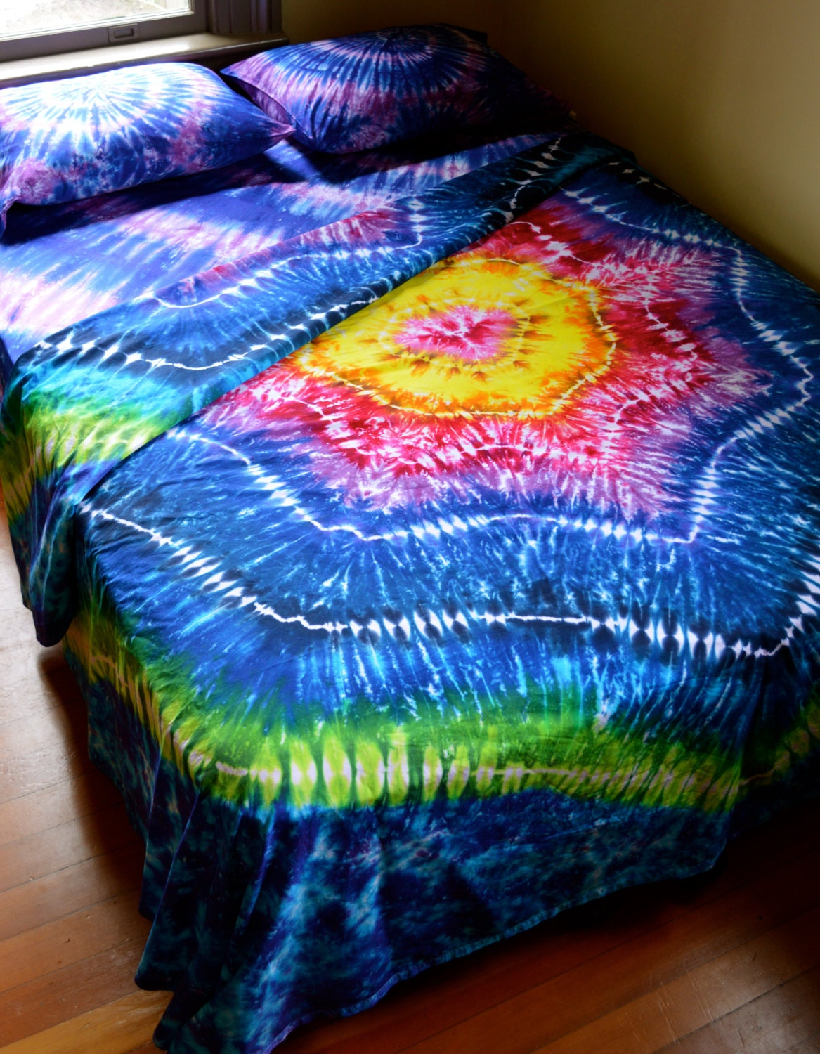 hand dyed sheet set queen size tie dye bedding. Black Bedroom Furniture Sets. Home Design Ideas