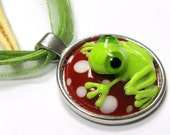 "SMAUGGS handmade pendant ""Frog"" (45cm), glass, red, white, green"