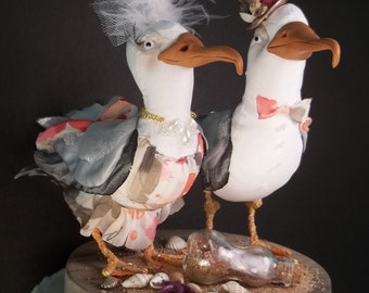 FerdiBird Cake Topper Beach Comber Seagulls with message in a bottle