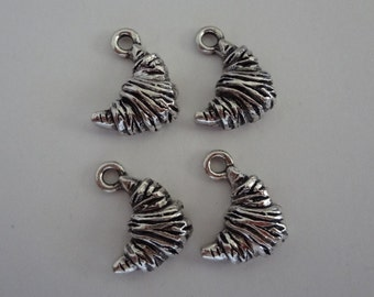 4 - FRENCH CROISSANT Charms - 17x14mm