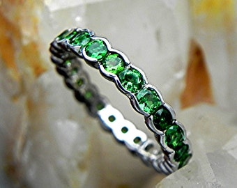 AAAAA Chrome Tourmaline 18K white gold eternity band 3.0mm round 2.5 carat total weight