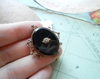 antique victorian jet black filigree mourning brooch - shabby condition for crafting repurposing and repair