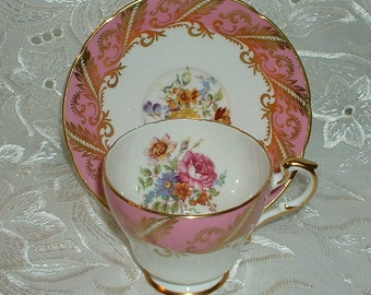 Vintage Paragon By Appointment for  Her Majesty the Queen Tea Cup and Saucers Pink Rose White Gold Floral