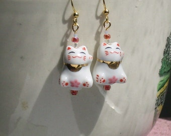 Maneki Neko Petite Pink and Red Japanese Lucky Cat Earrings