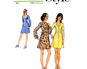 1970s Babydoll Dress Sewing Pattern Style 3757 Scoop Neck Mini Dress Bust 32 Junior Petite