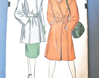 Unused 1940s Coat Vintage Sewing Pattern by Hollywood 1466 deep lapped seam finish. Collarless built up neckline with revers  Bust 30 inches