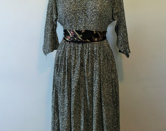 1940s Daydress. Vintage Black and White Full Skirt Frock