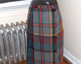 CLEARANCE Vintage 1960s Tartan Kilt Gret and Red Plaid Wool Wrap Skirt S/M