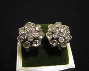 Vintage Round Silver Tone and Diamond Rhinestone Flower Cluster Screwback Earrings