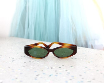 1960s Tortoise Shell Sunglasses / 60s Mod Wide Sunglasses
