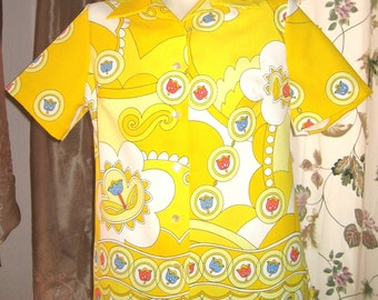 60s Pykettes Short Sleeve Blouse - Top - Mod Yellow Print with Tulips Vintage