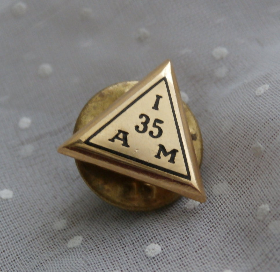 I 35 A M Vintage American Machinist Service Pin Triangle
