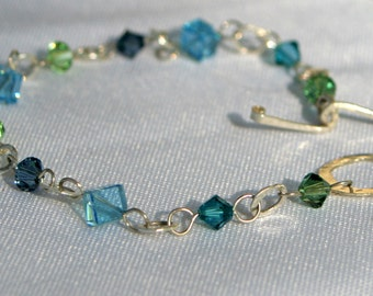 Blue and Green Bracelet with Fine Silver Hammered Links - Cyberlily