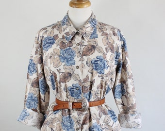 FREE SHIPPING Vintage 90s Beige Blue Roses Print Womens Country Snaps Cotton Shirt, Cottage Chic, Shabby Chic, Size Large