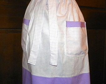 Waist Apron 26 in Long Lilac Gingham Handmade for Kitchen Cooking Craft Hostess Activities Excellent Clothes Protector