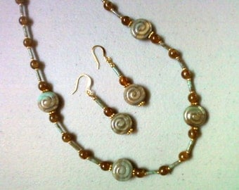 Blue and Brown Seashell Necklace and Earrings (0441)