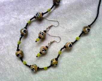 Black, Peach and Chartruese Necklace and Earrings (1089)
