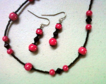 Hot Pink and Black Necklace and Earrings (0629)