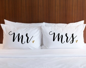 Mr and Mrs Pillowcases Wedding Gift Mr & Mrs Pillow Case Set Gold Glitter Gift for Bride at Bridal Shower Gift Anniversary
