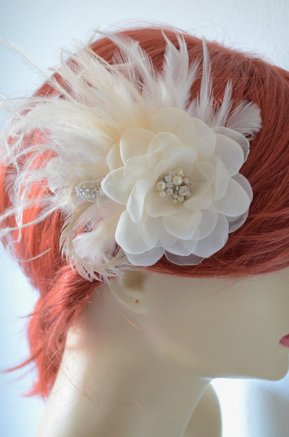 Beautiful Bridal Champagne Flower, Hair Flower, Flower Feather Fascinator, Hair Flower in Champagne and Ivory, 1920s Vintage hair flower