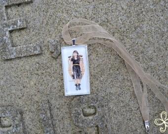 Anesidora Pendant Necklace (large)