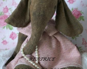 """BEATRICE Adorable 6"""" PRIMITIVE/VINTAGE Elephant"""