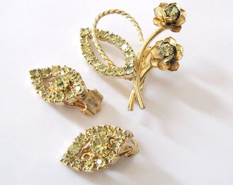 Jonquil Yellow Rhinestone Demi Parure, Flower Brooch and Leaf Earrings Set Mid Century Vintage