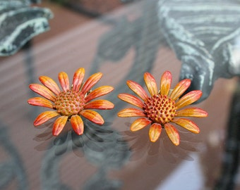 Delightful Daisy Earrings in Burnt Orange