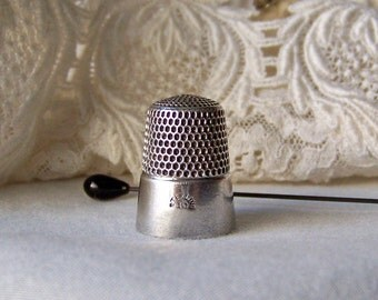 Vintage Sterling Silver Thimble Simon's Brothers Quilting Sewing Thimble Sewing Room Thimble Collector Gift For Mother circa 1900s