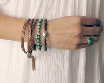 Bohemian Charm Bracelet // Green Bracelet, Silver Bracelet, Feather Charm Bracelet, Beaded Stretch Bracelet, Jasper Bracelet