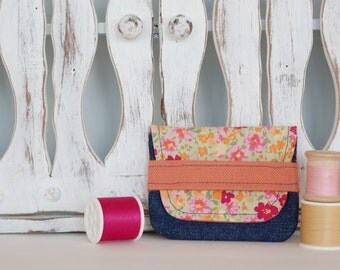 Card holder, small wallet made from recycled fabrics credit cards health cards fidelity eco-friendly eco-design flower denim summer, orange