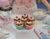 1:6 Scale Sweet Petite Play Scale Miniature Sundae Cup Cupcakes