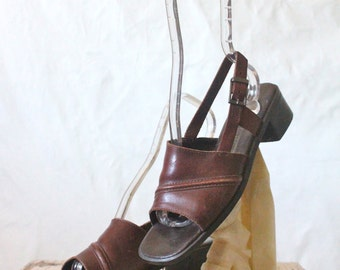 Vintage Chocolate Leather Sandals Sz 6