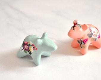Flower Bear Totem Figurine, Miniature Bear Animal Figurine Sculpture, Animal Totem