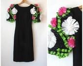 Avant Garde 80s Victor Costa Dress / Black Wiggle Dress / Little Black Dress / 80s Cocktail Party Dress / Short Sleeve / 3D Floral / XS XXS