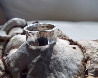 modernist sterling silver hammered wedding cigar band size 7