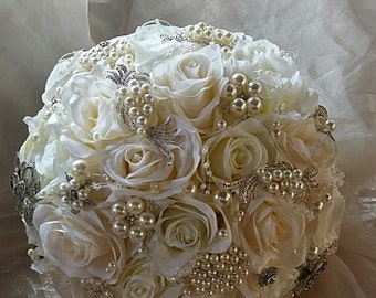 ROSE PEARL BOUQUET, Silk Flower Jeweled Bouquet, Simple Brooch Bouquet, Ivory Rose Wedding Bouquet, Custom Bouquet, Pearl Brooch Bouquet