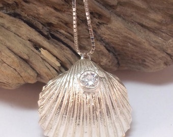 Fine Silver Sea Shell with a Cubic Zircona