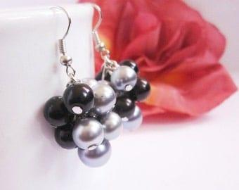 Bridesmaid Earrings, Cluster Earrings, Chunky Pearl Earrings in Black and Gray, Bridesmaid Jewelry