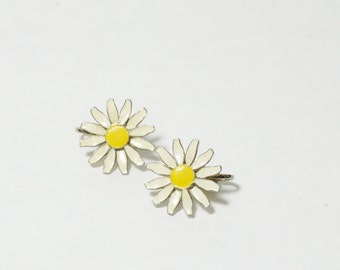 Vintage Daisy Clip-On Earrings