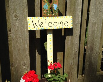 Birdhouse welcome garden stake