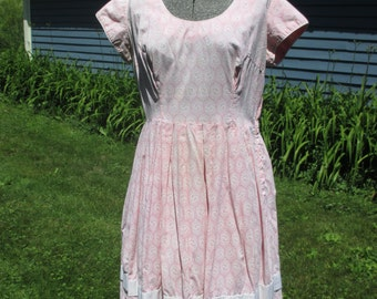Vintage 1950s Dress - Pink Cotton Print Dress