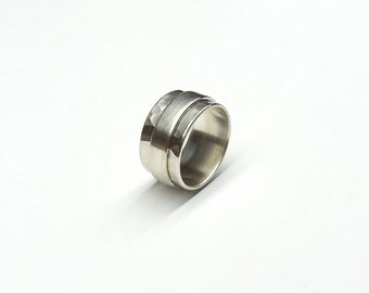 Rotary ring hammered 925 Silver