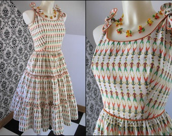 Vintage 50's NOVELTY Print Cotton SUNDRESS Summer Party Day Dress FROCK, Three-Tiered Full Skirt, Fitted Bodice, Tie Shoulder Straps, Small