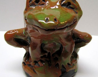 Vintage Ceramic Clay Frog Whistle Figurine - Home Decor - Collectables