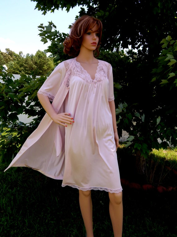 Vintage Nightgown Robe 2 Piece Peignoir Set Collectibles Jc