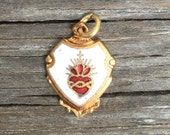 1 or 5 pc Lot! Sacred Heart Religious Medal ~ Enamel on golden brass ~ Tiny vintage charm ~ Made in Italy ~ vintage jewelry ~ Bulk   M109
