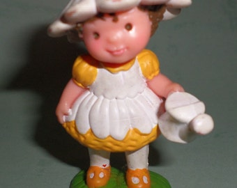 Avon Little Blossom Friend Daisy Dreamer PVC Figure like Strawberry Shortcake