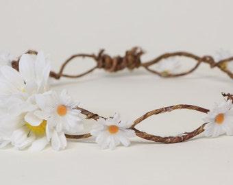 Daisy flower head wreath
